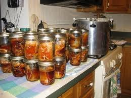 Состав: 4,5кг рыбы, 1,5кг моркови натертой на крупной терке, 2л  намоченной фасоли, 7 ч. ложек соли  без верха