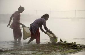 Женская рыбалка по-непальски 3