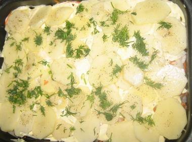 Рыбная запеканка – вкусное блюдо и для приготовления его не нужно прилагать много усилий.