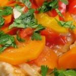 Как приготовить рыбу? Есть много способов, но как вкусно приготовить рыбу? Рыба в духовке с овощами Вам понравится. Вкуснее всего запеченная рыба сазан.